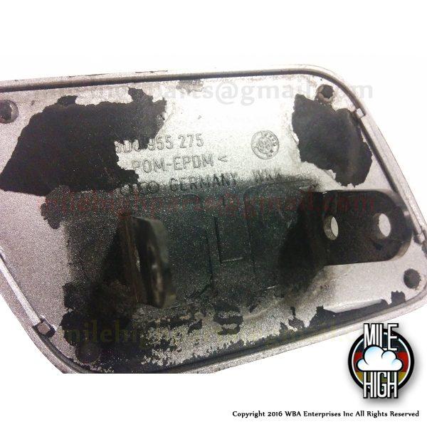 96 97 98 99 00 01 Audi A4 Bumper Washer Cap Driver Side LH B5 8D0 955 275